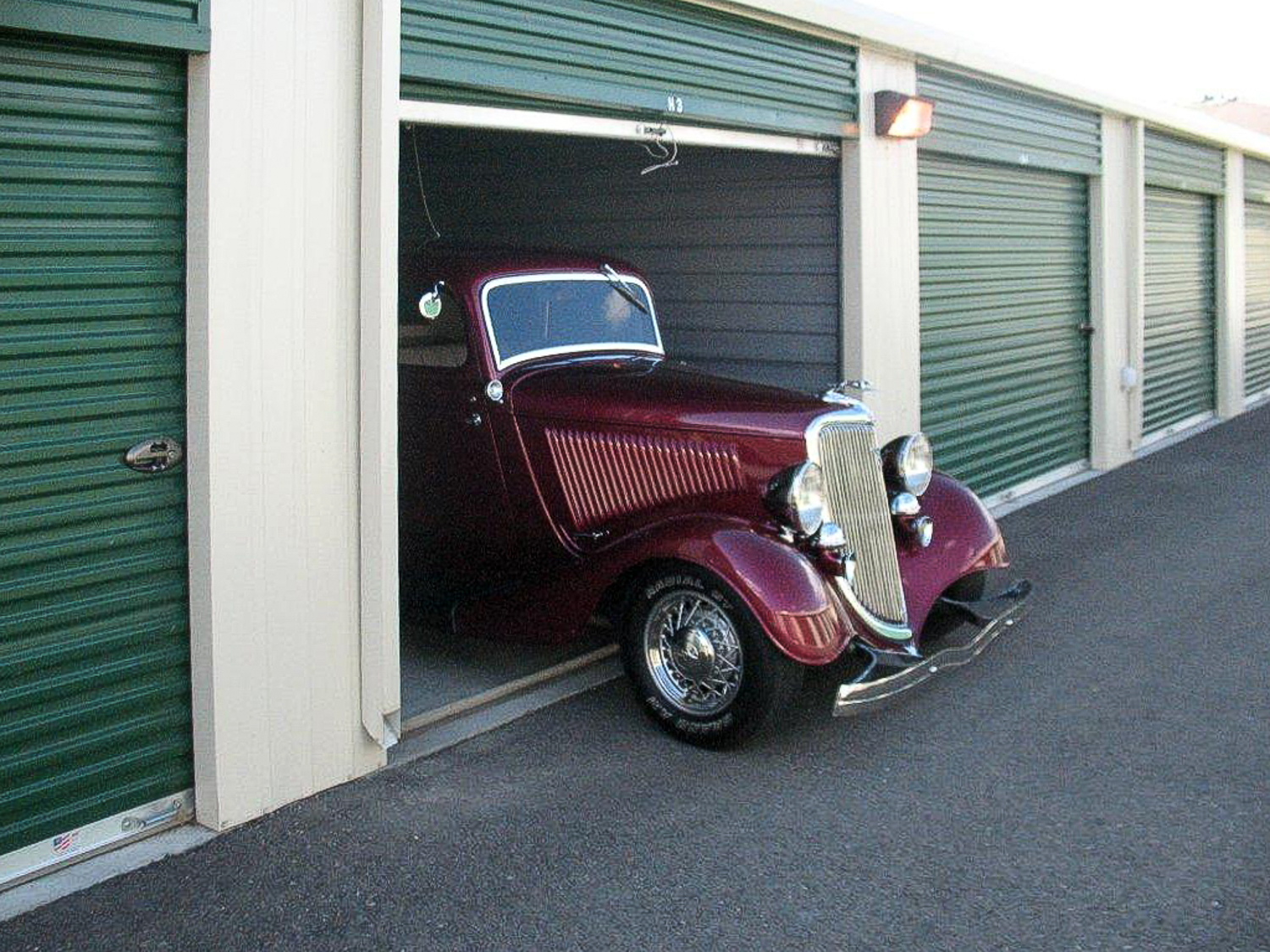 Classic Car Storage Units for Vehicles